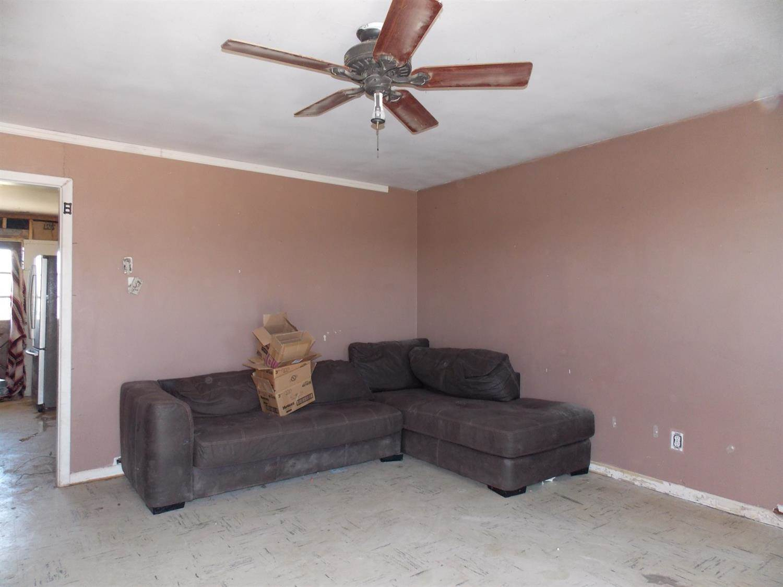 400 East Main Street, Kress, TX 79052