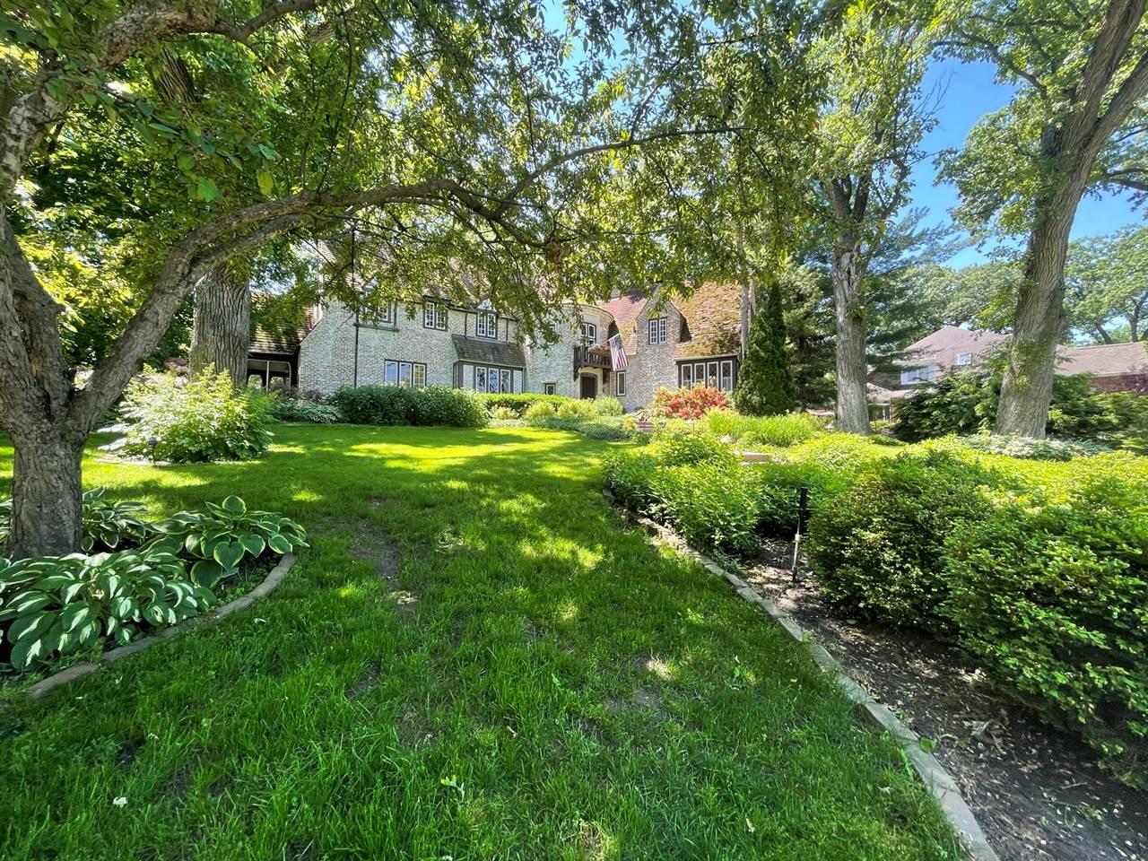 1721 Westwood Lane, Freeport, IL 61032