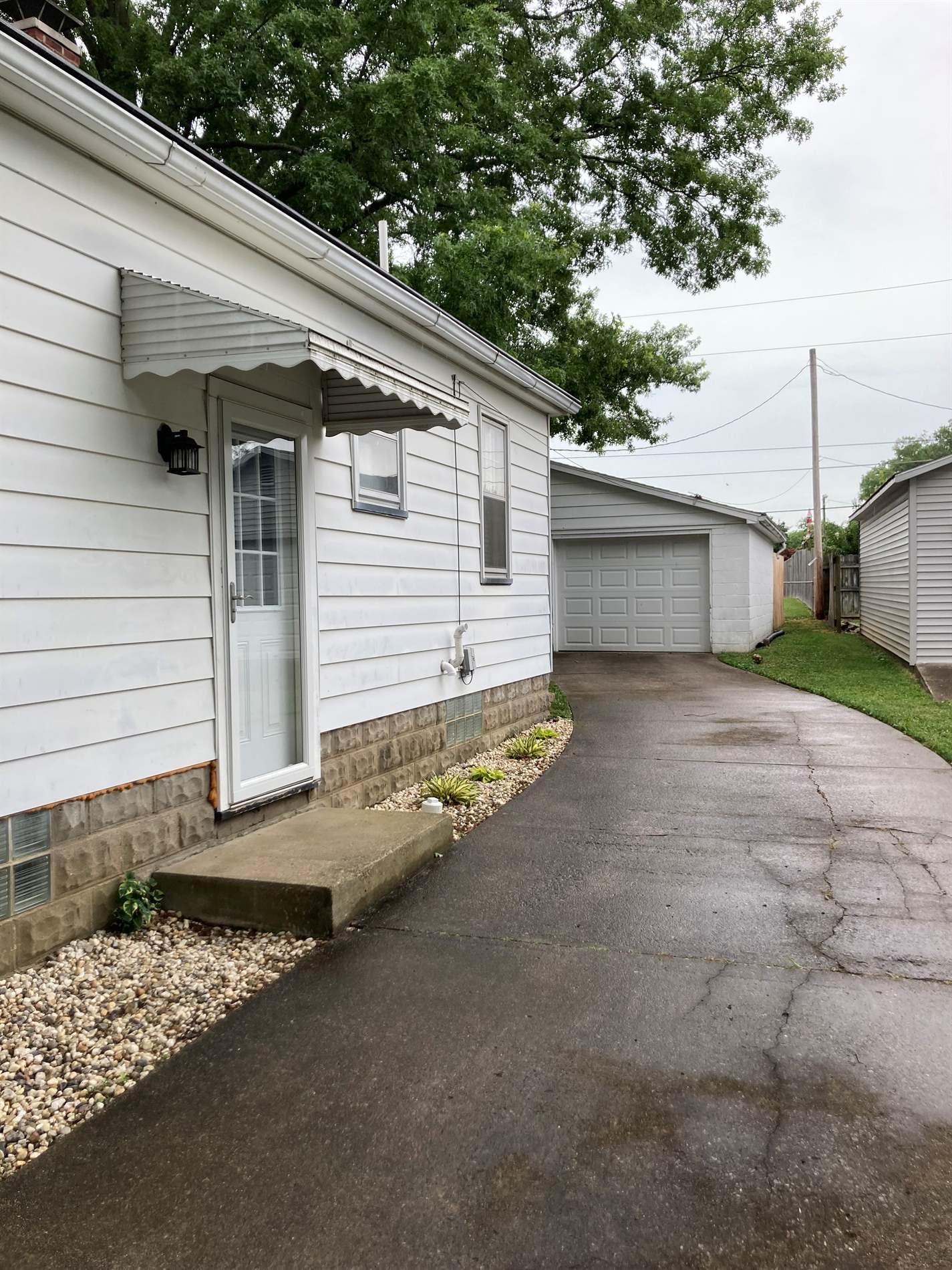 1624 Wedeking Avenue, Evansville, IN 47711