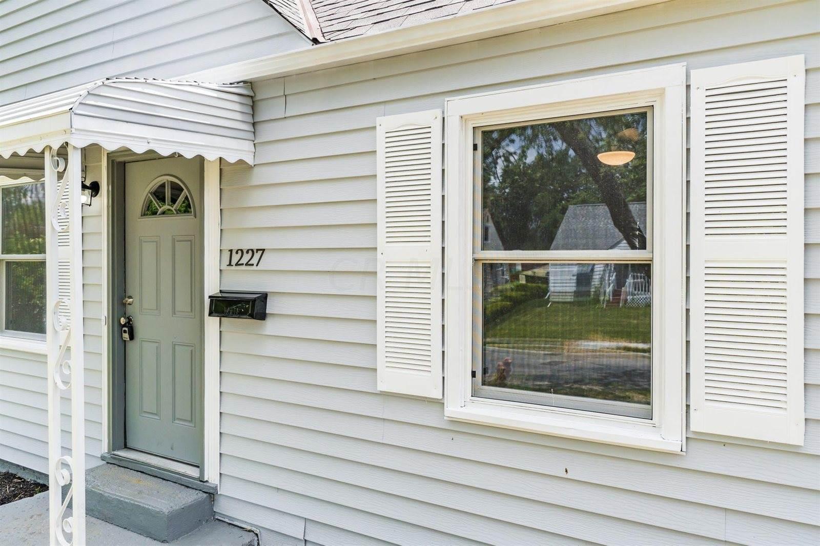 1227 Pauline Avenue, Columbus, OH 43224