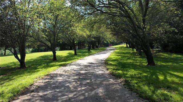 12220 Hedge Lane Terrace, Olathe, KS 66061