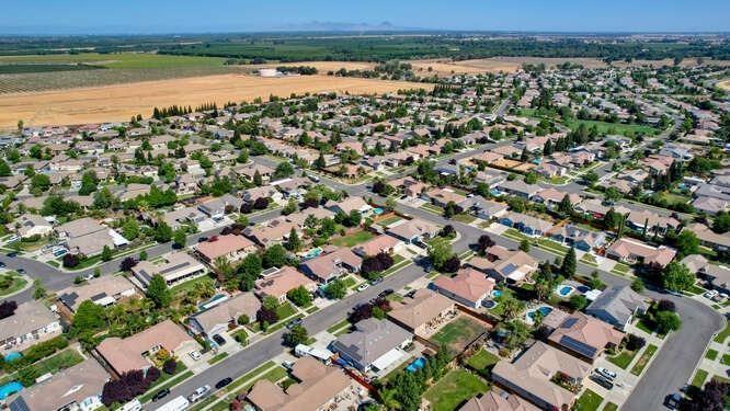 2053 Spanish Ranch Way, Plumas Lake, CA 95961
