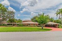 121 East Lake Summit Drive, Winter Haven, FL 33884