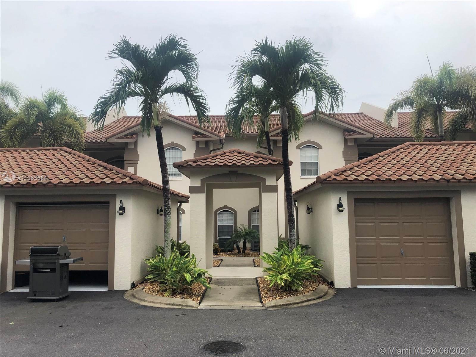230 Newport Drive, #611, Naples, FL 34114
