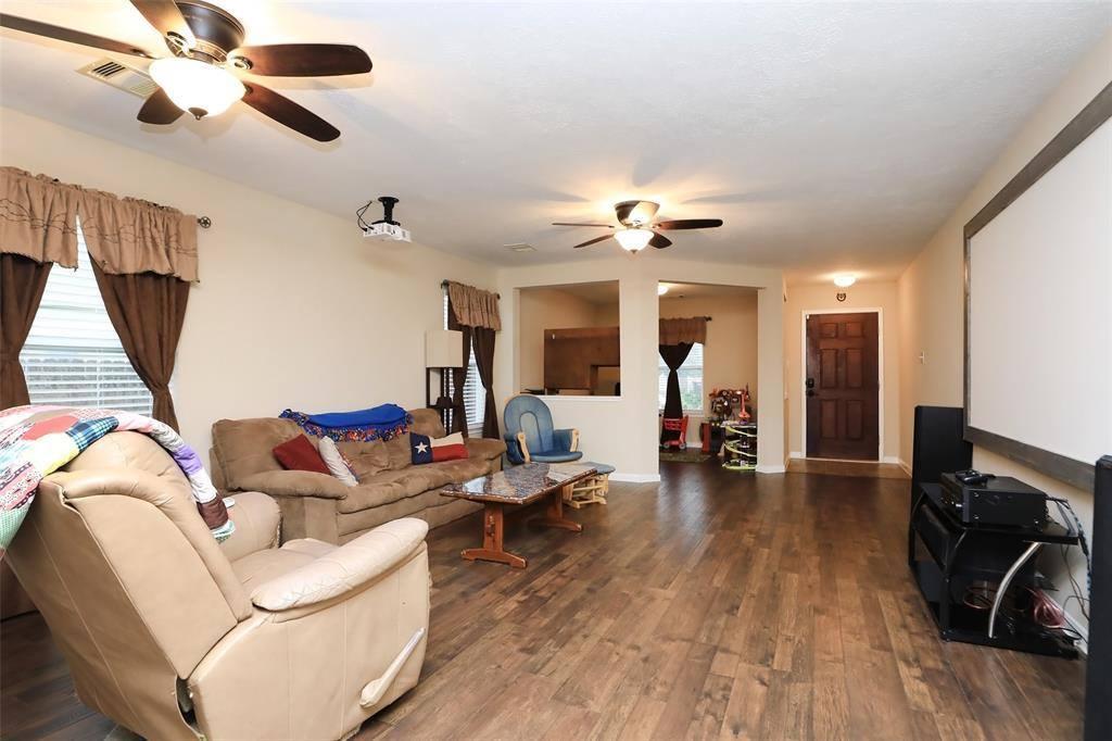 15906 Arapaho Bend Lane, Cypress, TX 77429