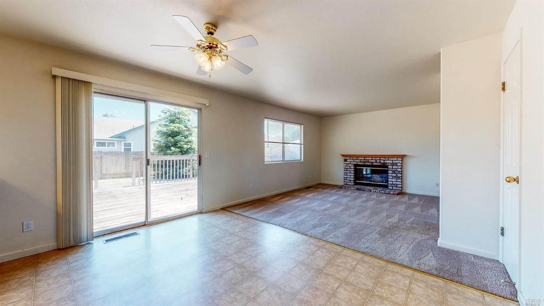 2216 Sunlit Ann Drive, Santa Rosa, CA 95403
