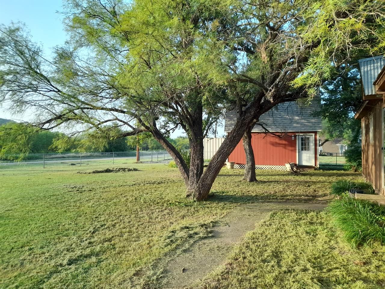 1050 Dunn Drive, Palo Pinto, TX 76484