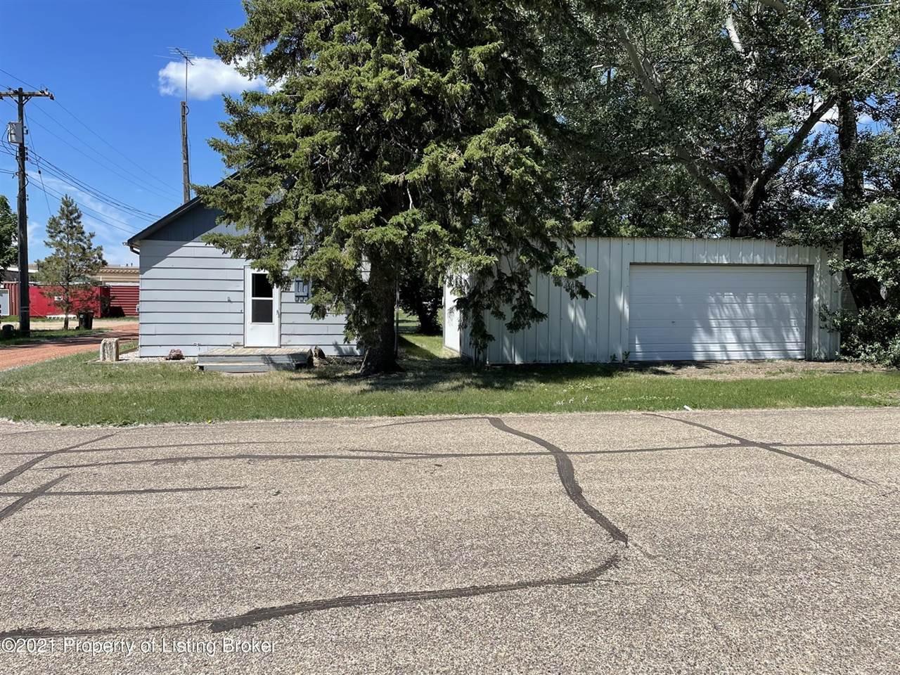 21 Elm Avenue, Taylor, ND 58656