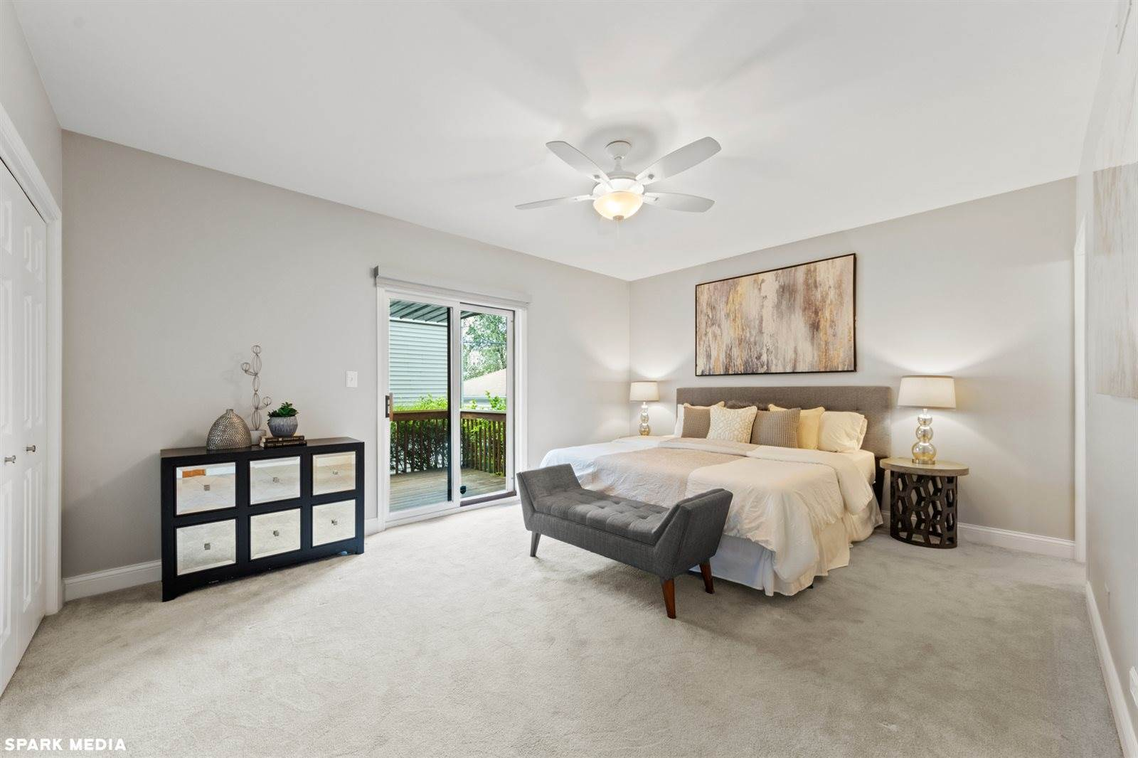 849 West Lakeside Place, #1W, Chicago, IL 60640