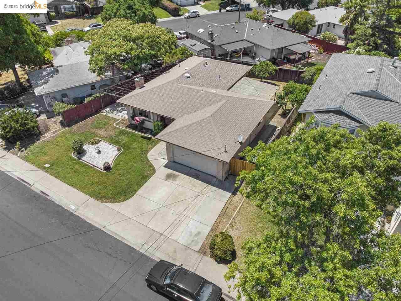 2225 Charlotte Ave, Concord, CA 94518