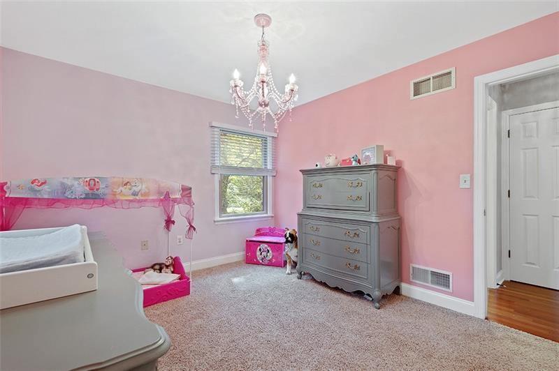 151 Marwood Dr, Upper Saint Clair, PA 15241