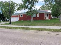 603 1st Ave NW, Kenmare, ND 58746