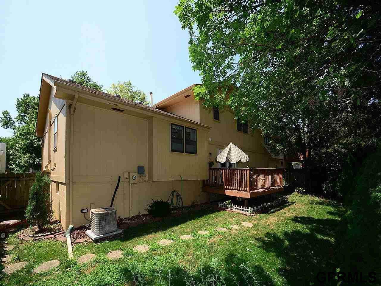 15942 Arbor Street, Omaha, NE 68130