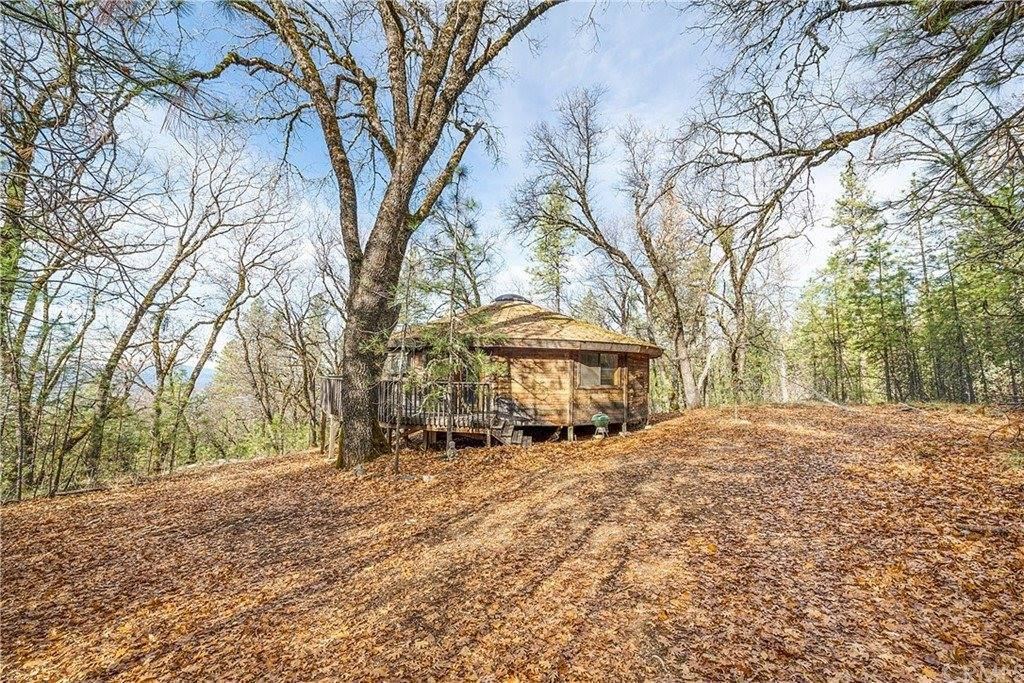 8019 High Valley Road, Clearlake Oaks, CA 95423
