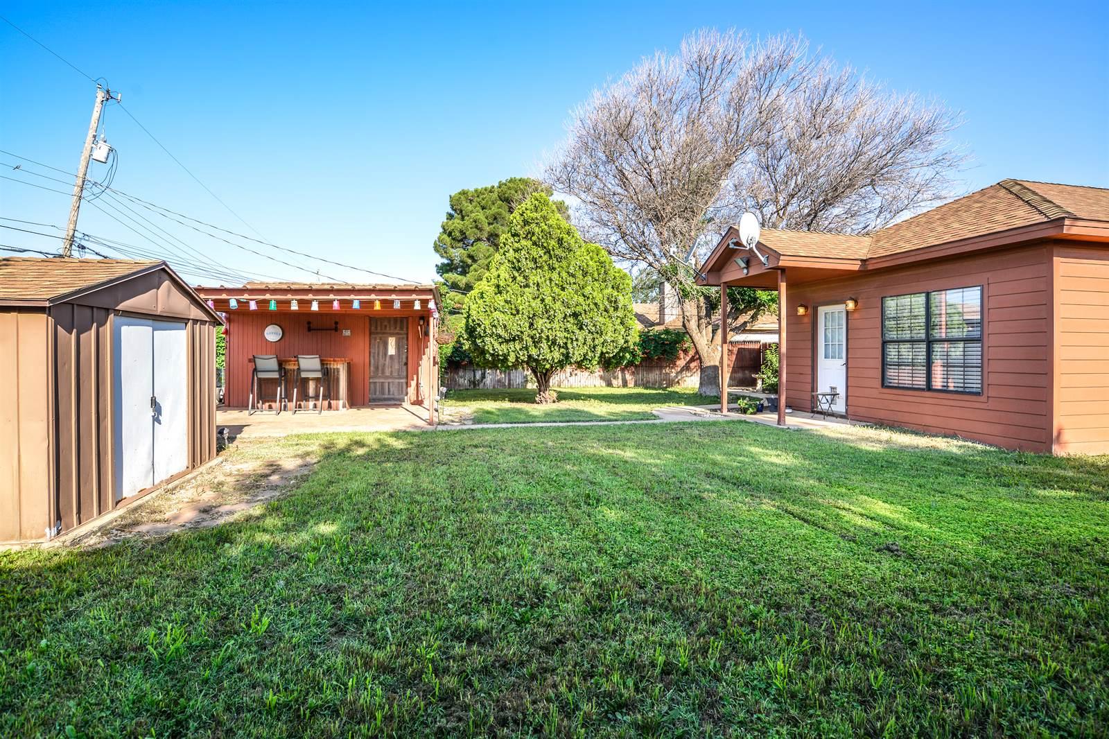 308 Douglas Street, Levelland, TX 79336