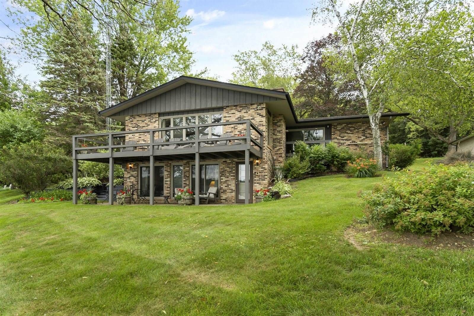 N7697 East Lakeshore Dr, Whitewater, WI 53190
