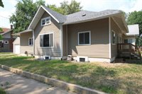 201 8th St NW, Minot, ND 58701