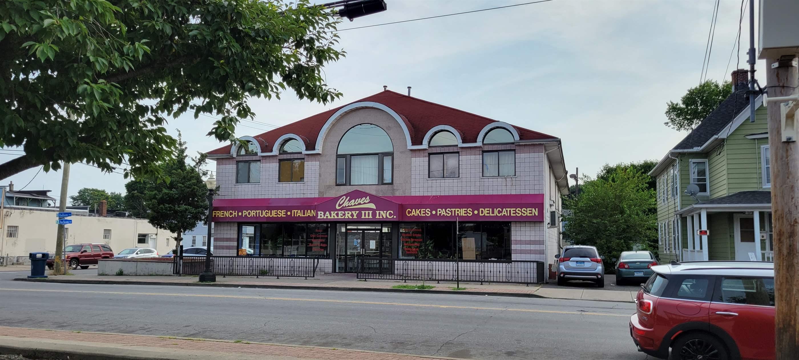861 Madison Avenue, Bridgeport, CT 06606