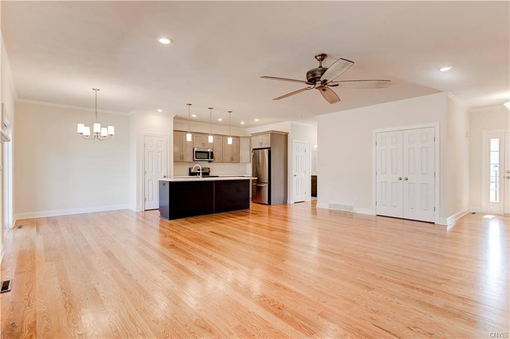 164 Shaker Heights, Camillus, NY 13031