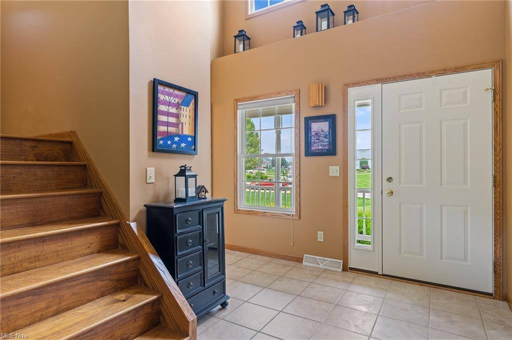 10580 Carrousel Woods Drive, New Middletown, OH 44442