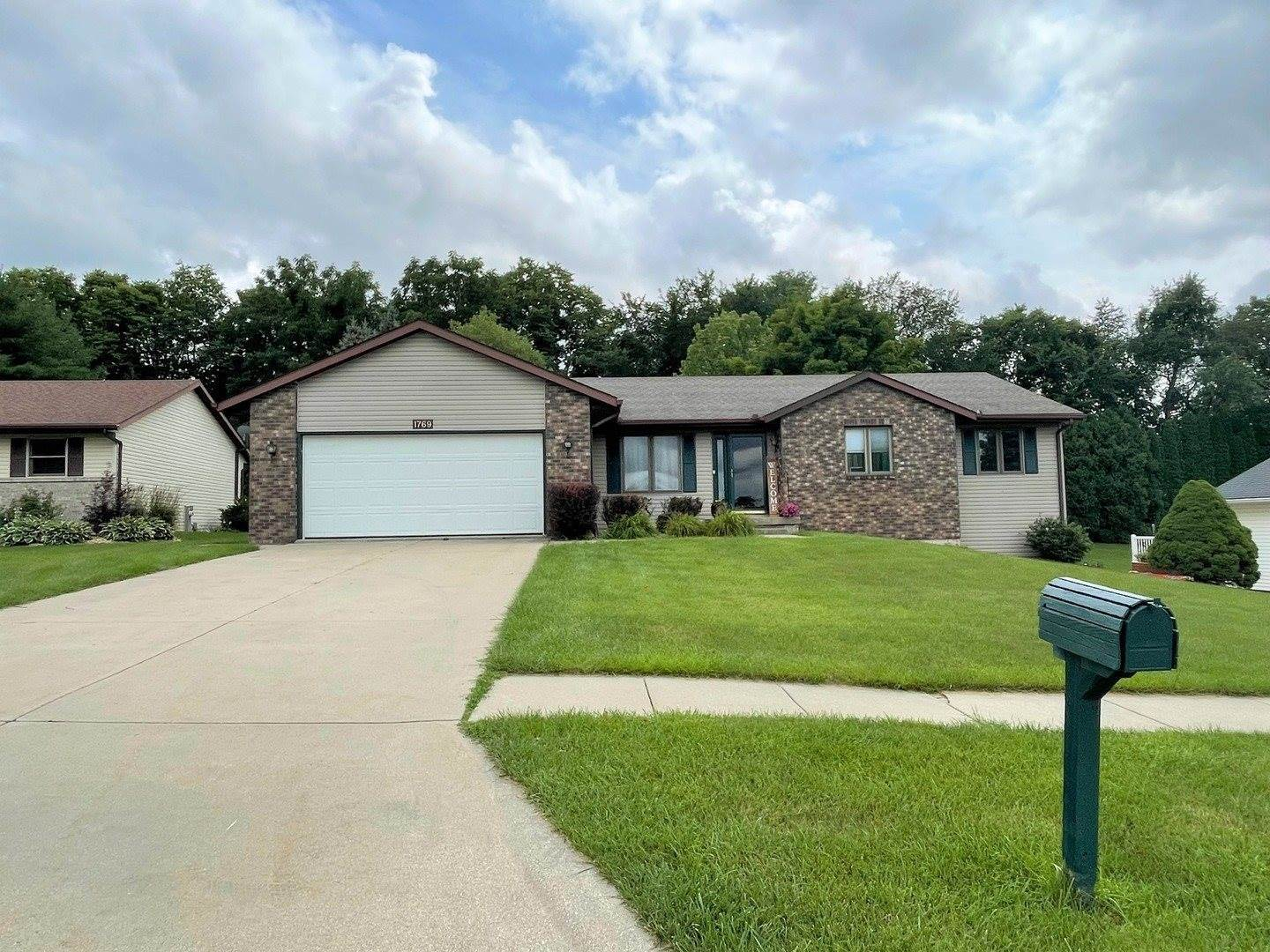 1769 West Canyon Drive, Freeport, IL 61032