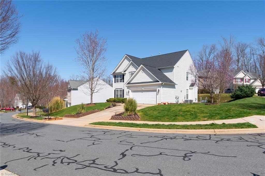 6218 Elderbush Drive, Greensboro, NC 27405