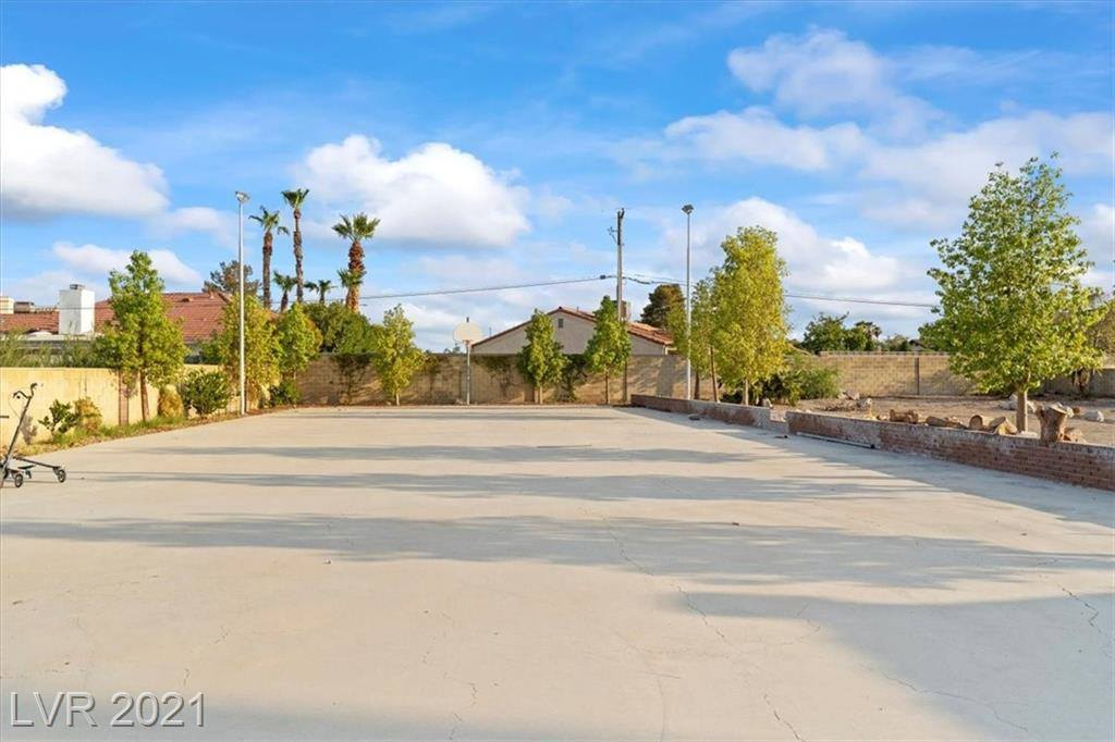 4105 Del Monte Avenue, Las Vegas, NV 89102
