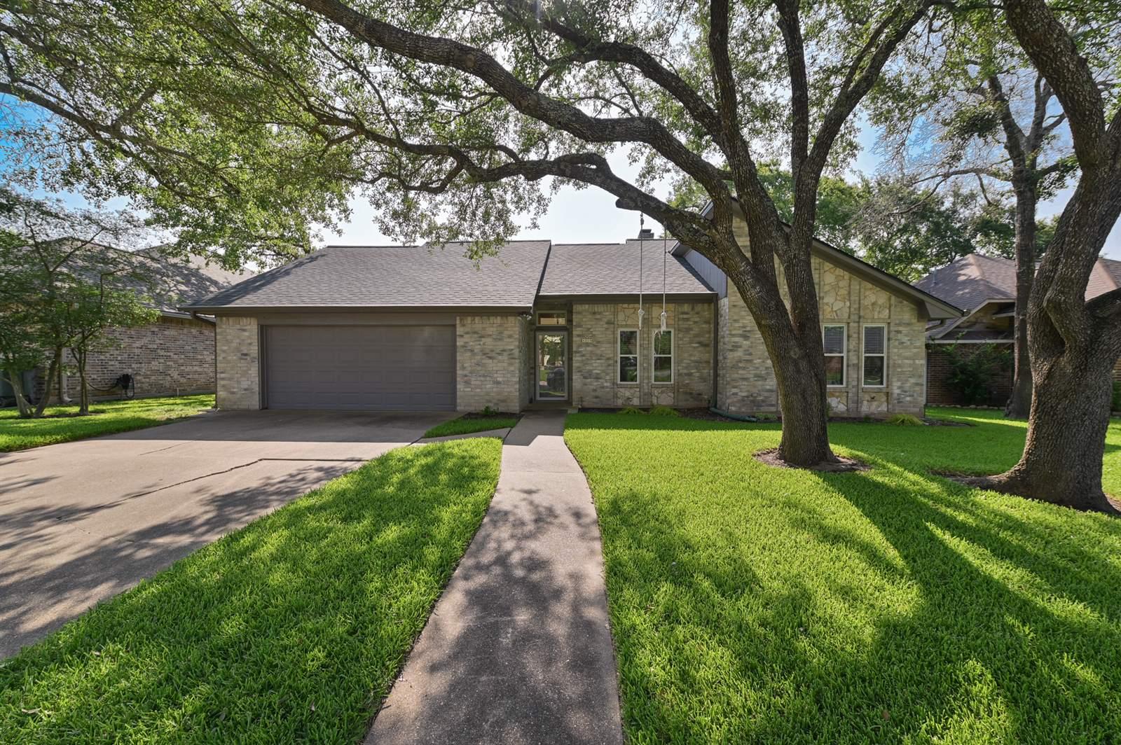 4213 Warwick Lane, Bryan, TX 77802