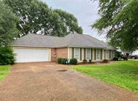 431 Olympic Dr, Flowood, MS 39232