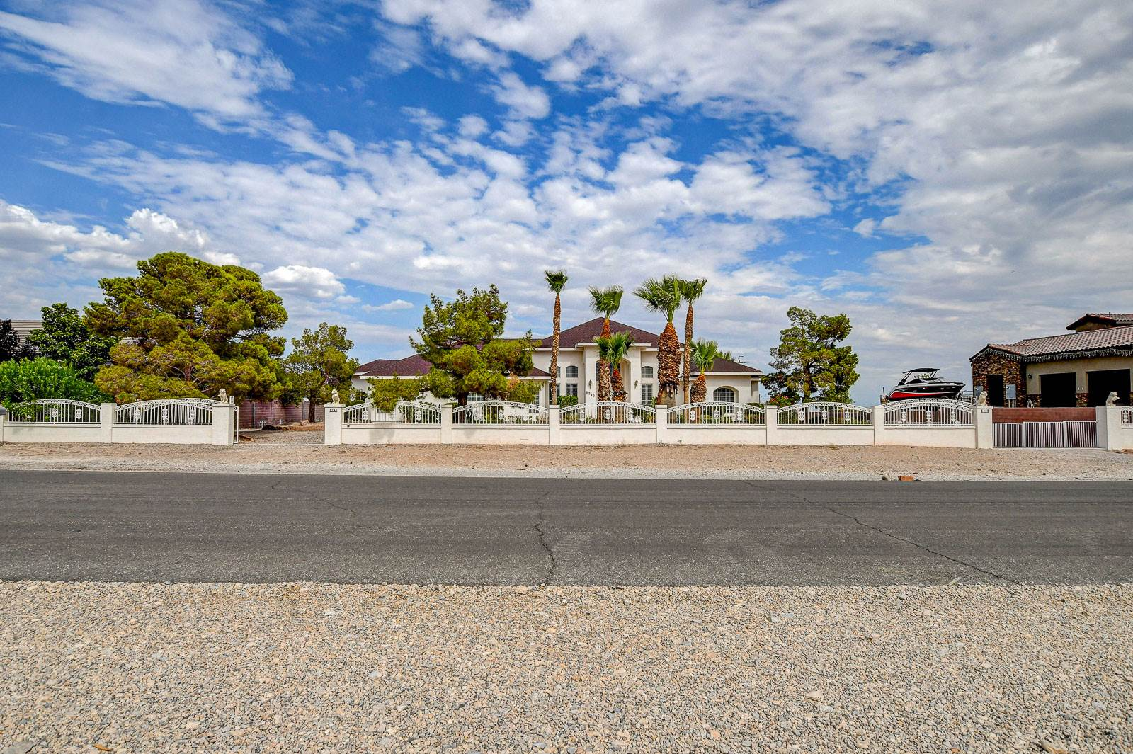 6240 North Hualapai Way, Las Vegas, NV 89149