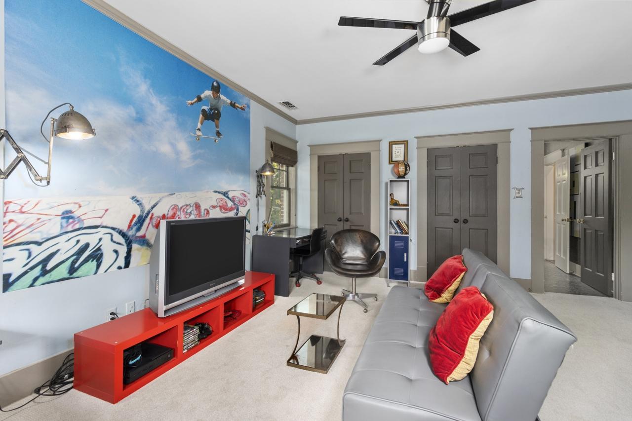 302 W Dobbs Street, Tyler, TX 75701