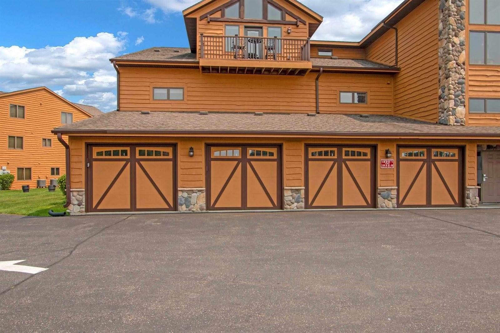 1822-4 Parkland Dr, Unit 704, Strongs Prairie, WI 54613