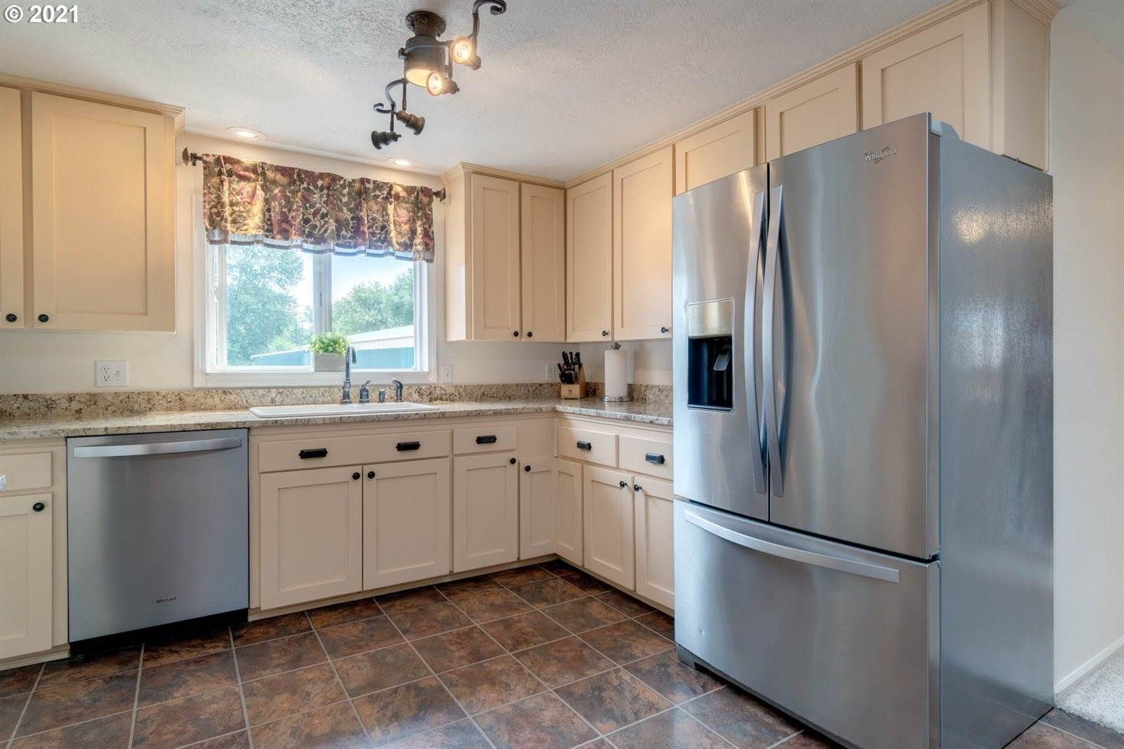 17555 SW Muddy Valley Rd, McMinnville, OR 97128