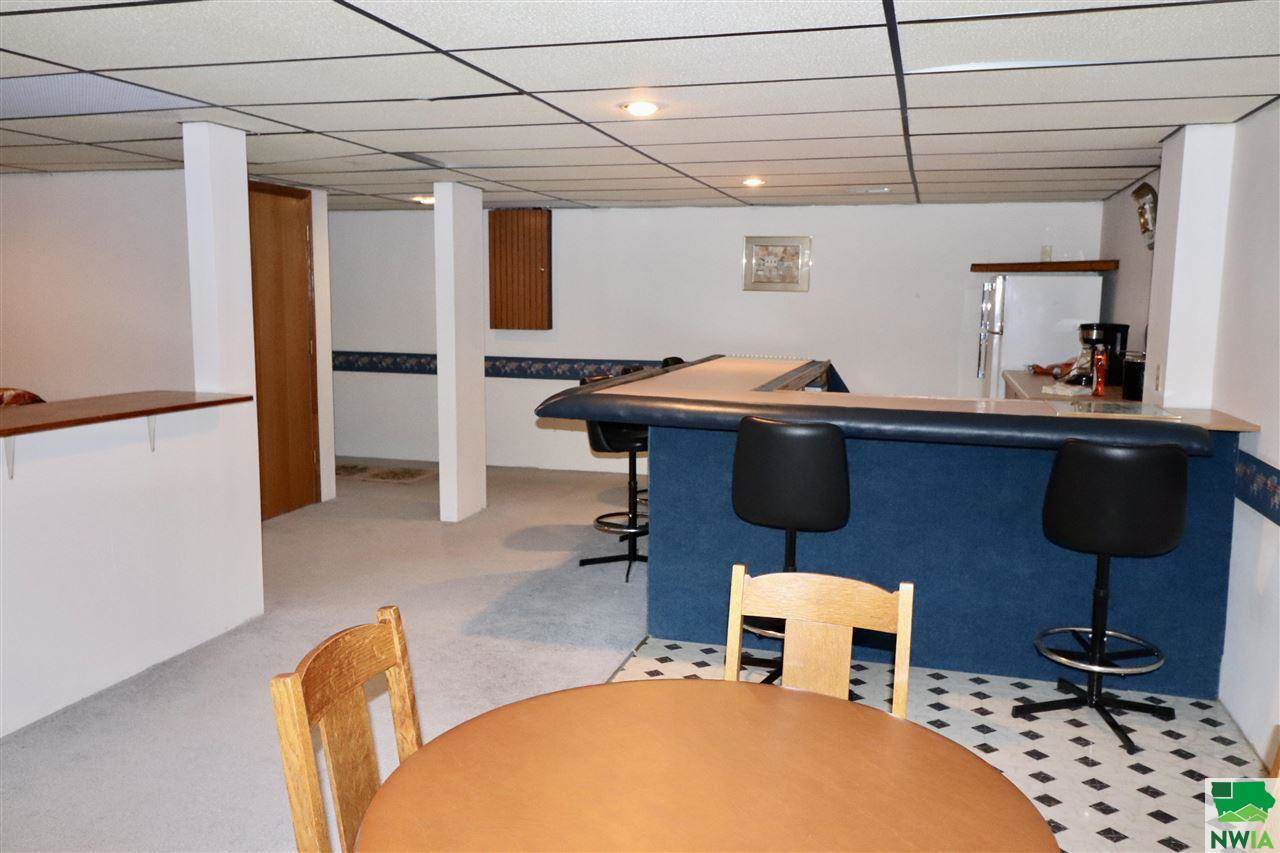 207 S 5th Ave, Anthon, IA 51004