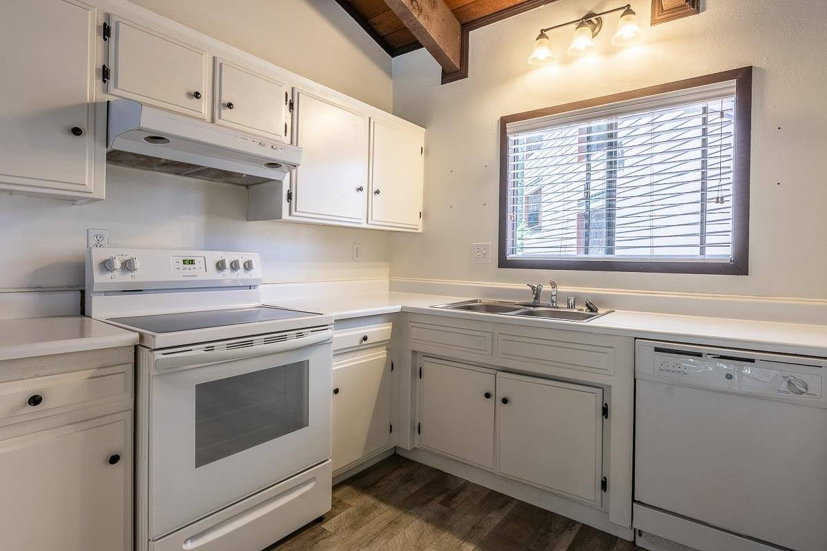 176 Lakeview Blvd, Mammoth Lakes, CA 93546