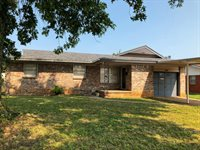 3833 Rosewood Drive, Midwest City, OK 73110