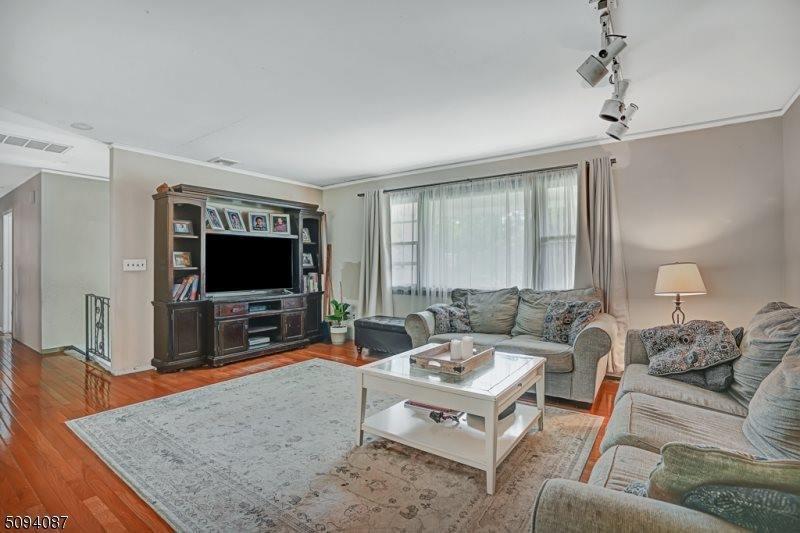 3 Whippany Avenue, Warren Township, NJ 07059