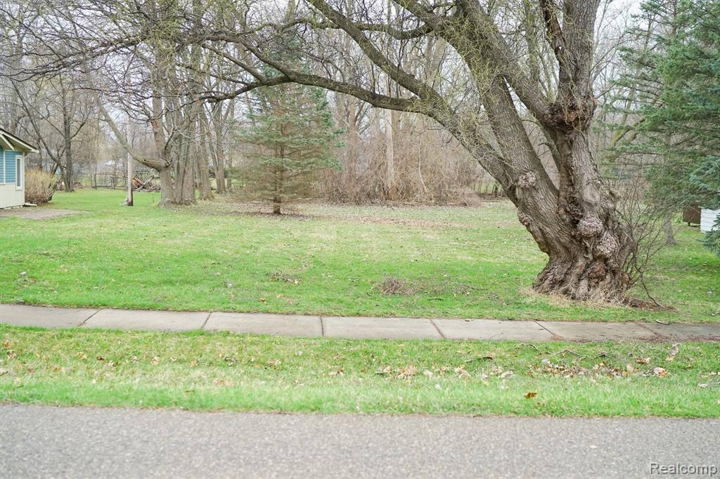 2365 Walnut Road, Auburn Hills, MI 48326