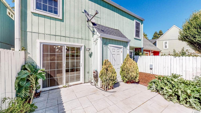 8363 Windmill Farms Drive, Cotati, CA 94931