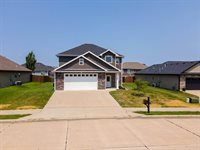 3701 Chestnut Dr, Columbia, MO 65202