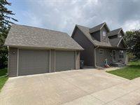 1515 S Chestnut Avenue, Marshfield, WI 54449