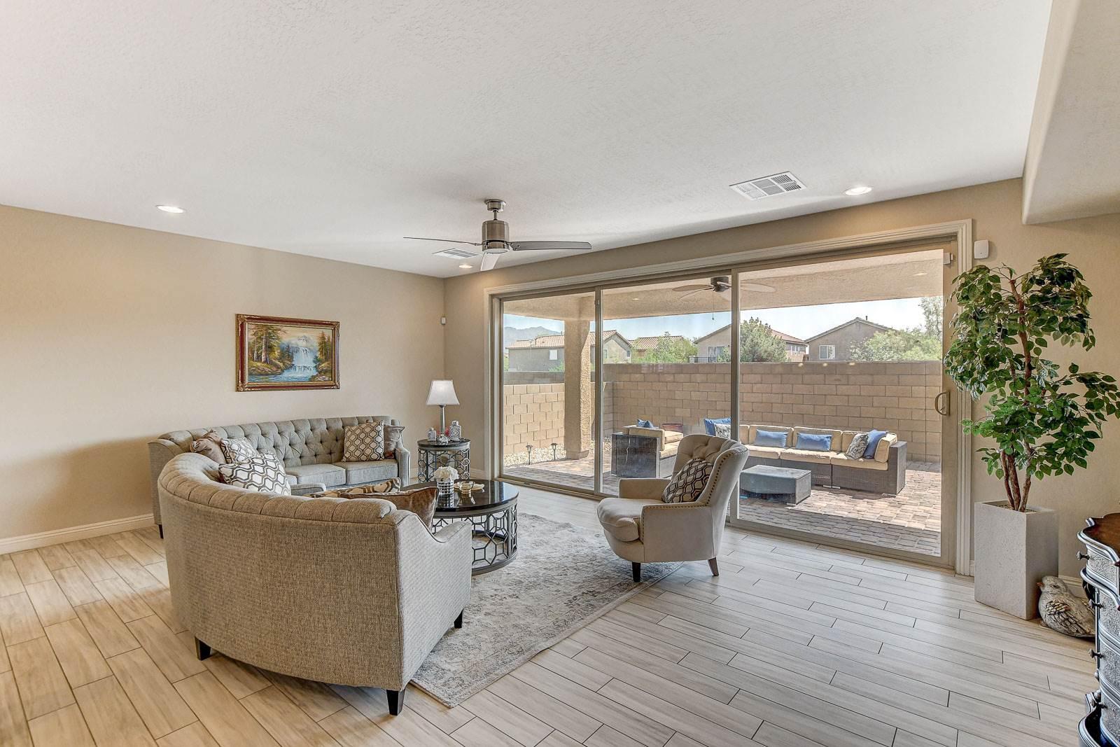 8124 Calico Bluffs Street, Las Vegas, NV 89166