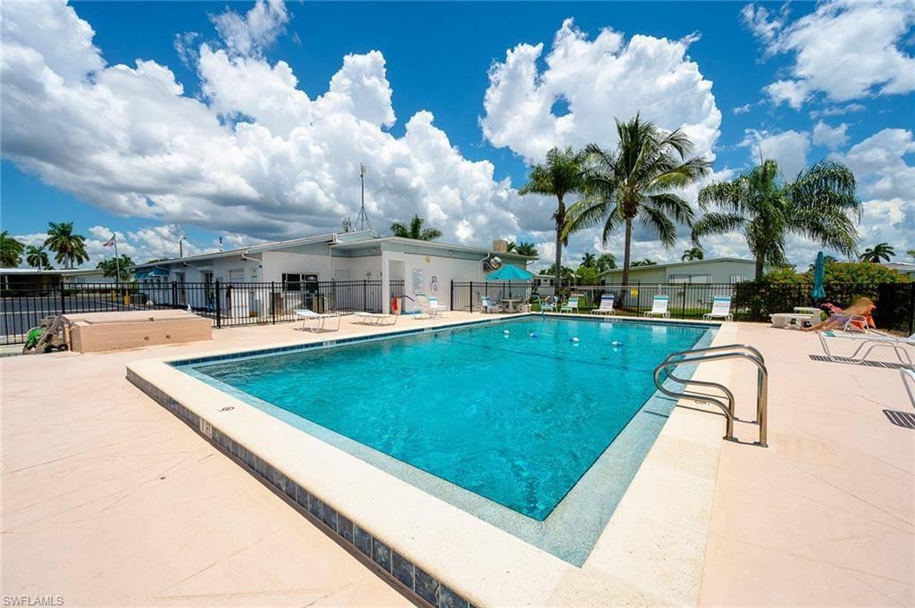 Daisy Avenue, Fort Myers, FL 33908