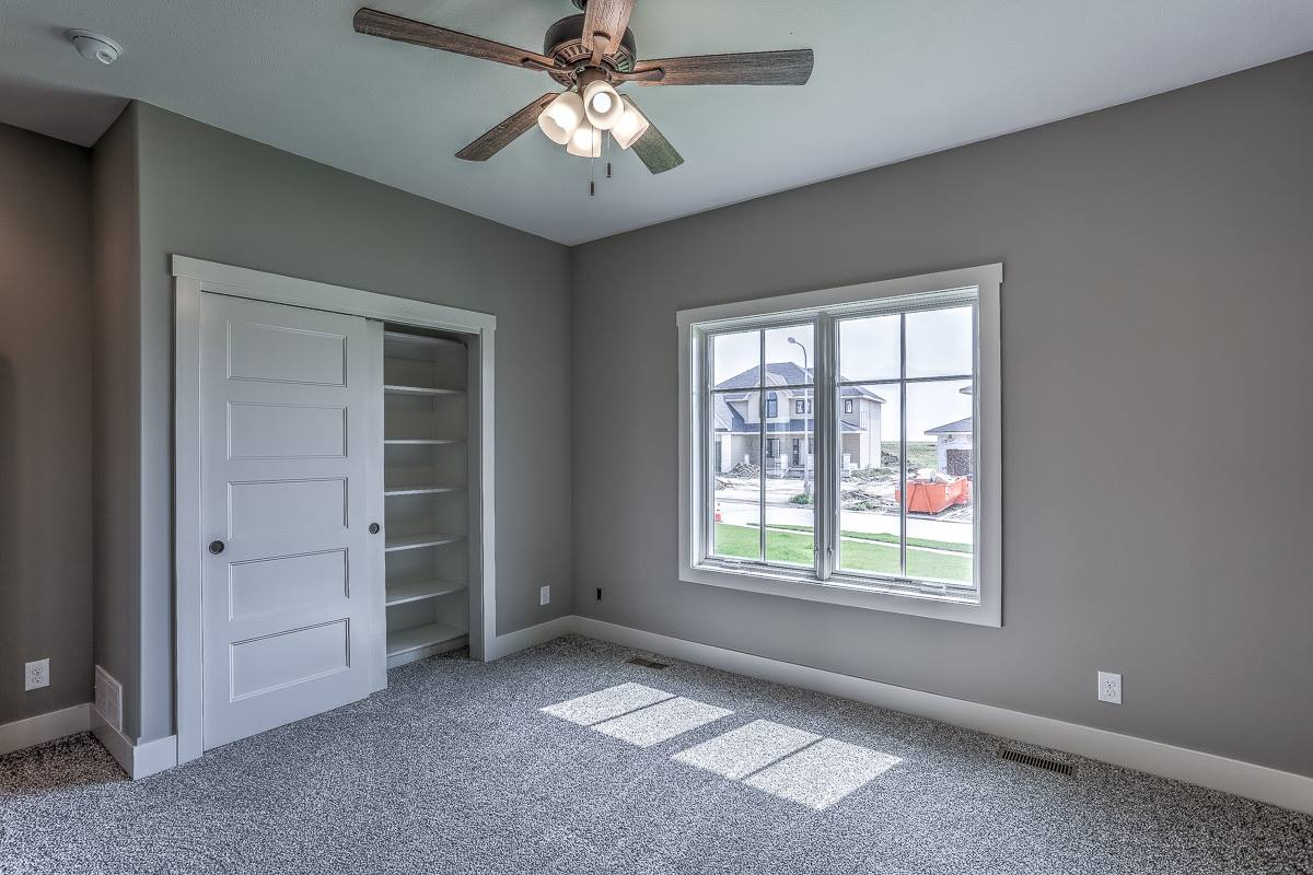 20903 Drexel Street, Elkhorn, NE 68022