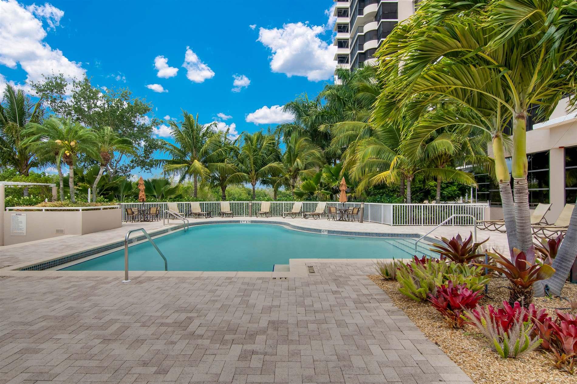 6825 Grenadier Boulevard, #301, Naples, FL 34108