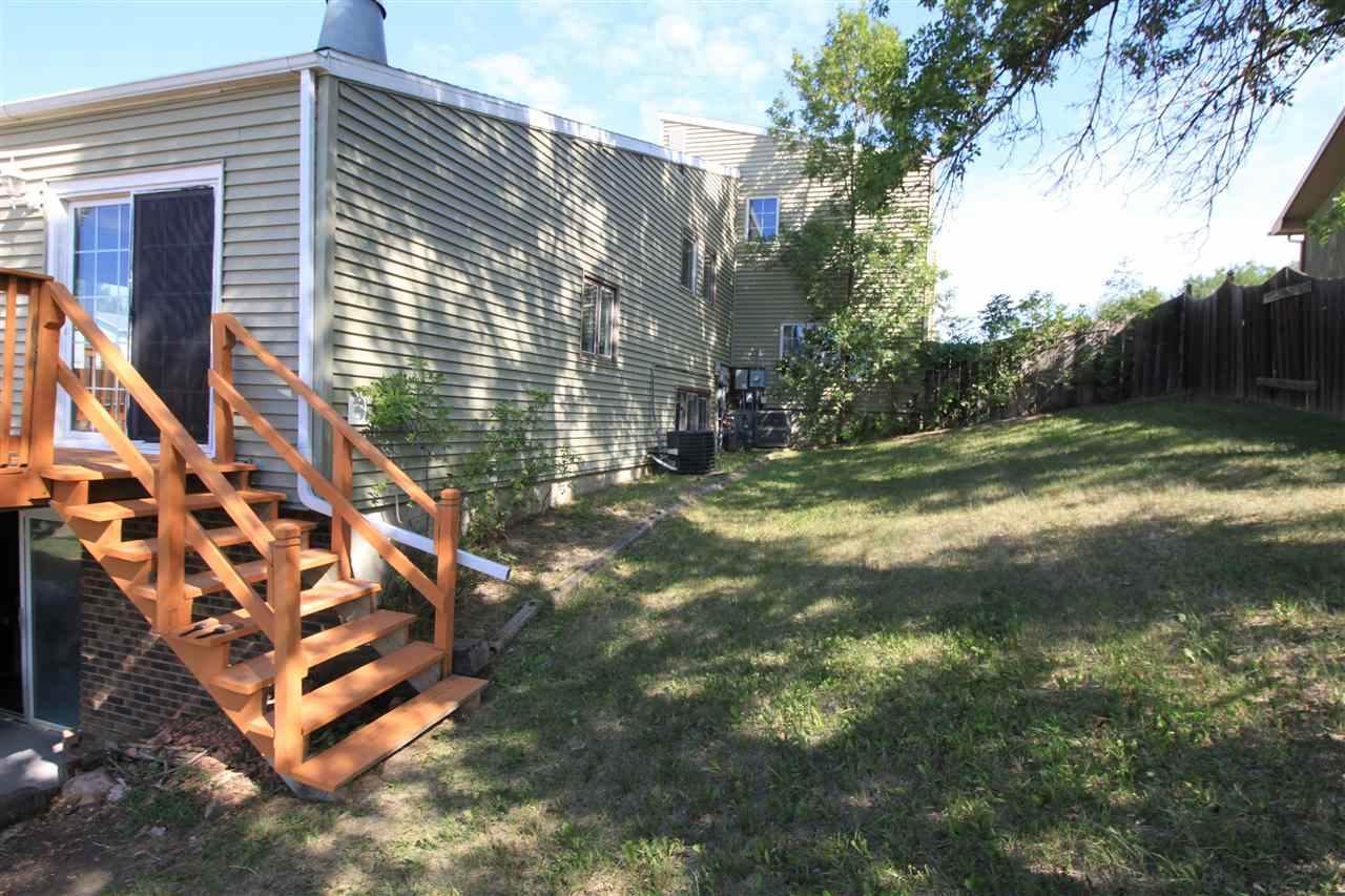 1666 12th St NW, Minot, ND 58703