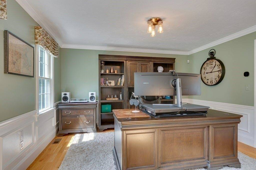 384 Central St, Milford, MA 01757