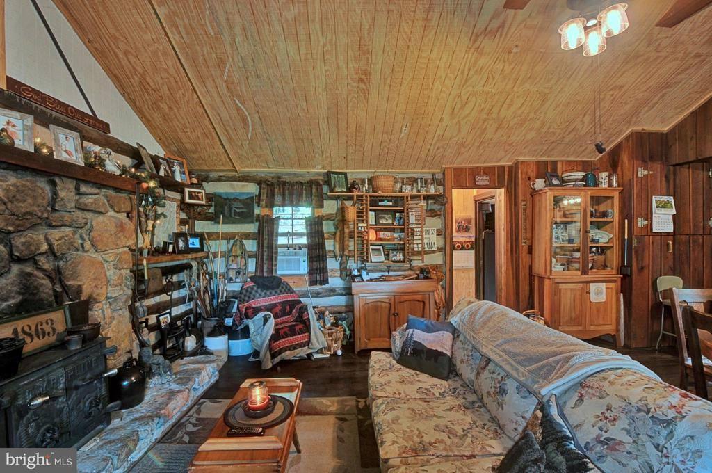 1515 Fort Valley Road, Luray, VA 22835