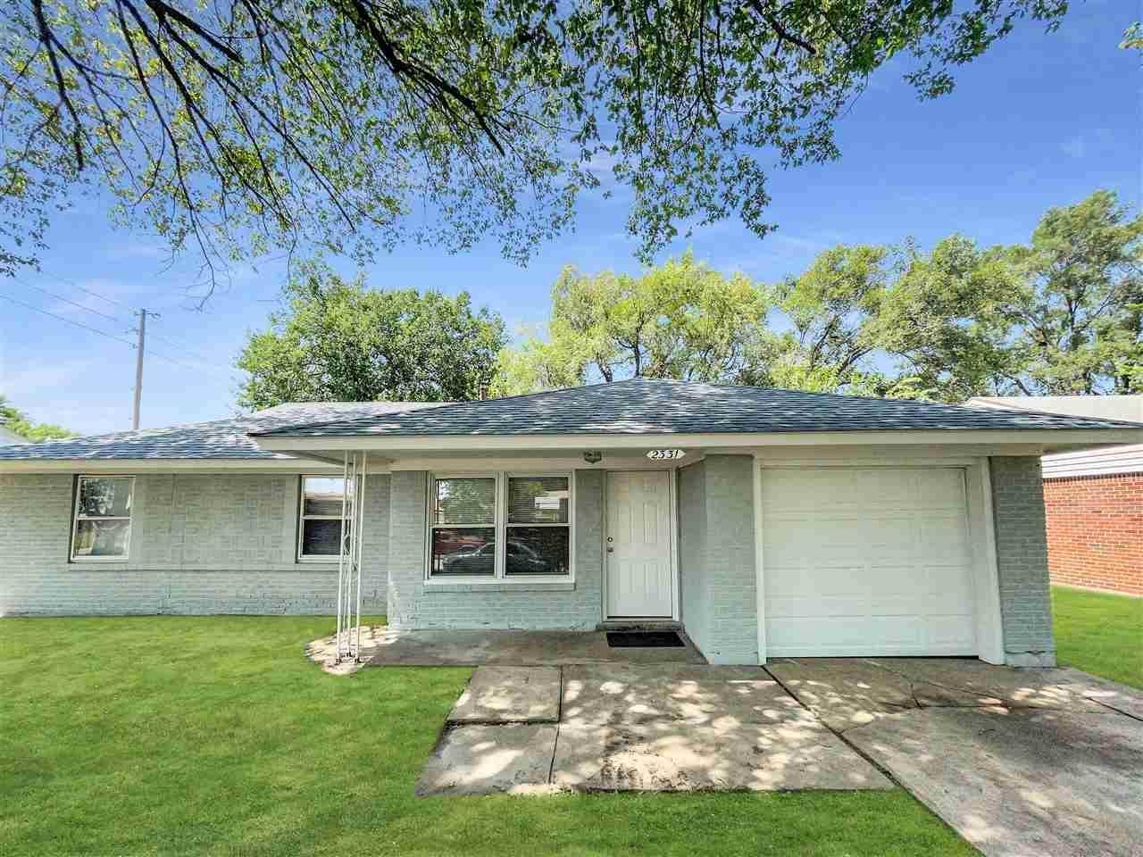 2331 S Hiram St, Wichita, KS 67213