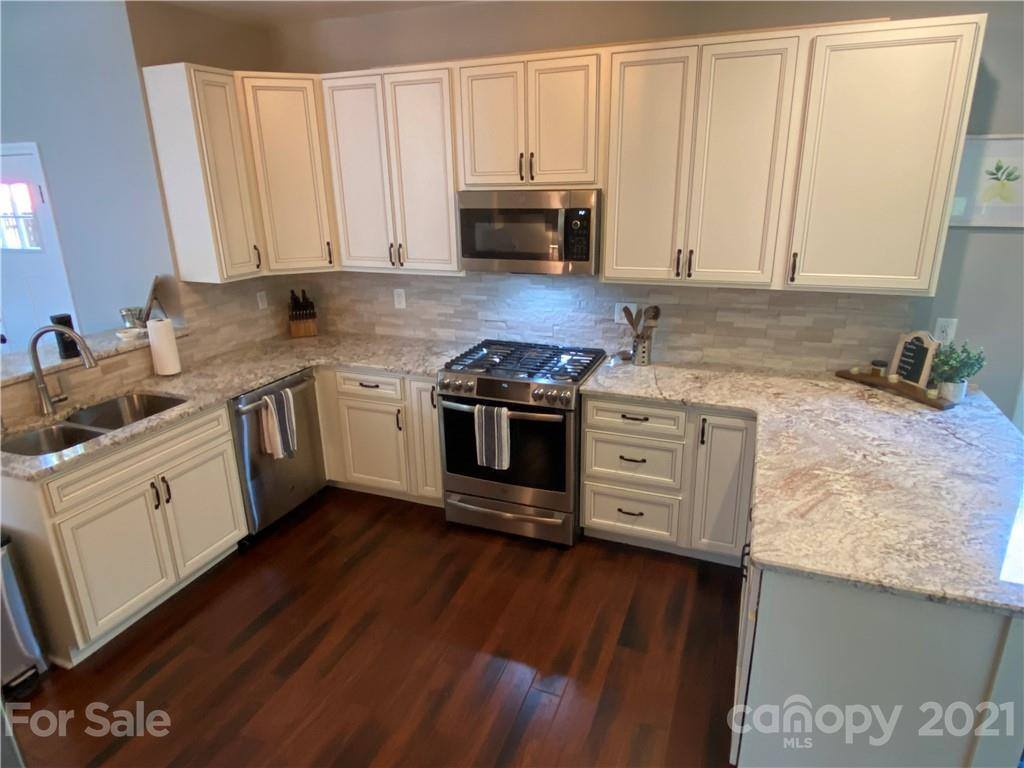 123 Southhaven Drive, Mooresville, NC 28117